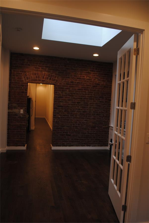 Additional photo for property listing at 1108 Rogers Avenue  布鲁克林, 纽约州 11226 美国