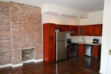 独户住宅 为 出租 在 352 Myrtle Avenue 布鲁克林, 纽约州 11205 美国
