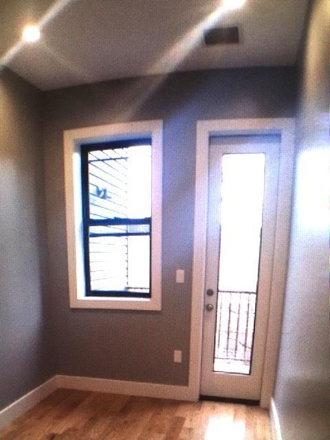 Additional photo for property listing at 664 Onderdonk Avenue  Ridgewood, New York 11385 United States