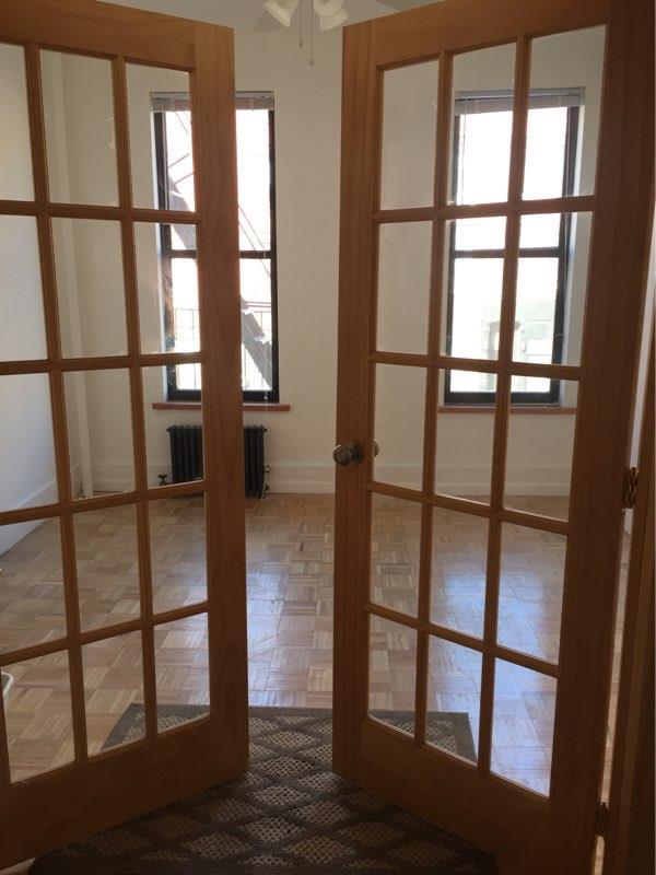独户住宅 为 出租 在 Renovated king size bedroom or spacious 2 bedroom in Greenpoint 布鲁克林, 纽约州 11222 美国