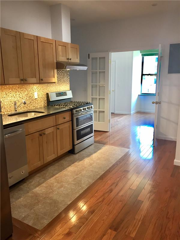 Single Family Home for Rent at 87 Graham Ave Brooklyn Brooklyn, New York 11206 United States