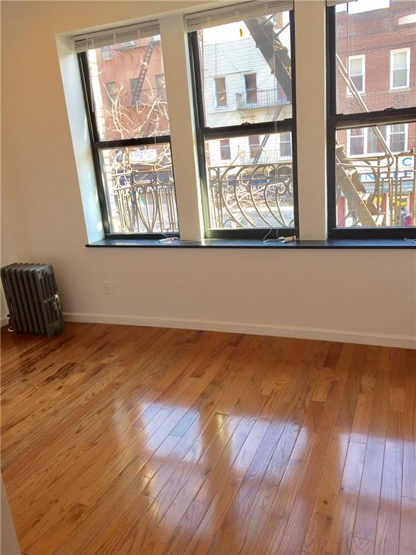 Additional photo for property listing at 87 Graham Ave Brooklyn  Brooklyn, New York 11206 United States