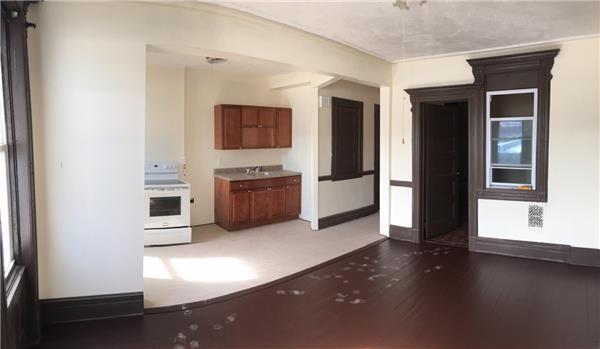 多户住宅 为 出租 在 162 Moffat Street #2 布鲁克林, 纽约州 11207 美国