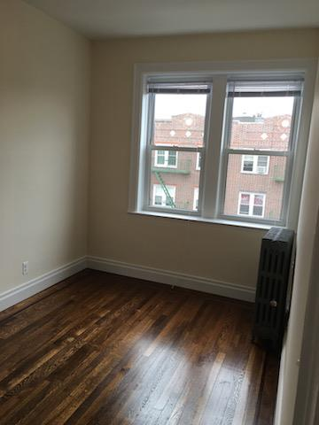 Additional photo for property listing at 47-18 44th Street Sunnyside  Woodside, 纽约州 11377 美国