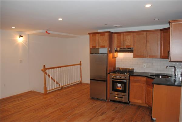 Additional photo for property listing at 789 Greene Avenue  Brooklyn, New York 11221 United States