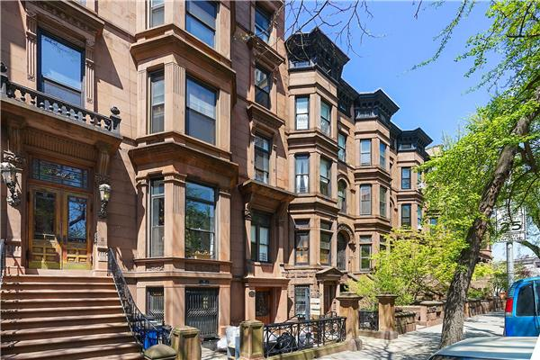 Additional photo for property listing at Exceptional Park Slope Location, Beautiful 1 bedroom coop  Brooklyn, New York 11217 United States