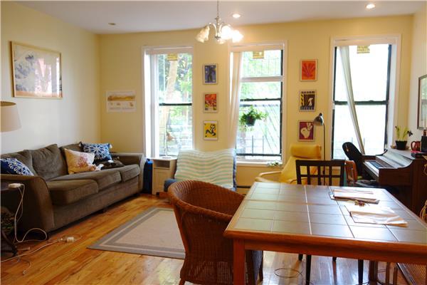 Additional photo for property listing at 1490 Bedford Avenue Huge 3 Bedroom  布鲁克林, 纽约州 11216 美国