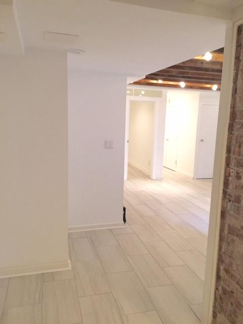 Additional photo for property listing at Two Bedroom Apartment in Park Slope near Prospect Park  布鲁克林, 纽约州 11215 美国