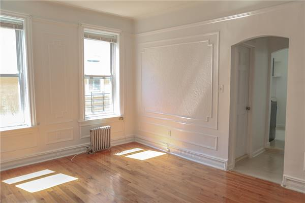 Additional photo for property listing at 250 East 92nd Street, Brooklyn Unit 2A  Brooklyn, New York 11212 United States