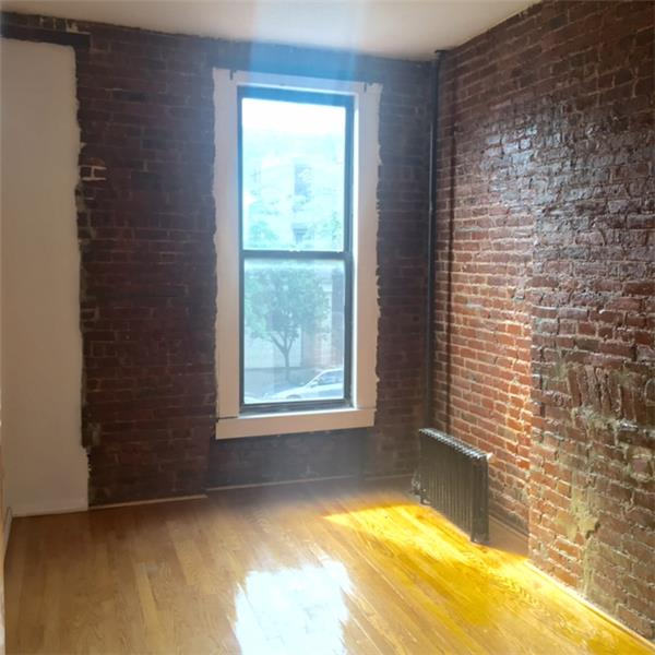 Additional photo for property listing at Three Bedroom Apartment near Prospect Park and Transportation  Brooklyn, New York 11215 United States