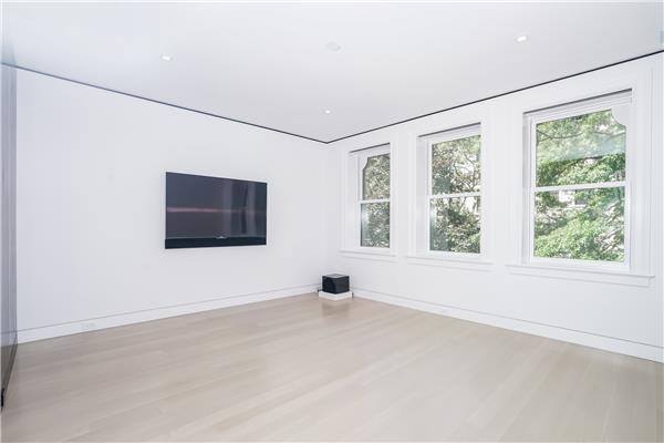 Additional photo for property listing at Modern Majestic Townhouse in Park Slope  Brooklyn, Nueva York 11215 Estados Unidos