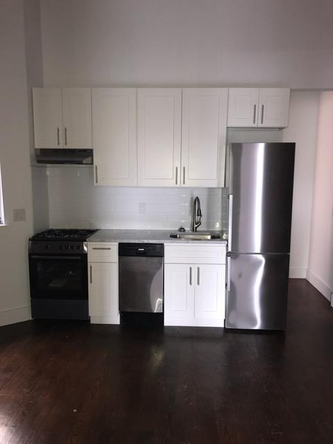 Additional photo for property listing at 1047 Bedford Avenue Apt. C4 1047 Bedford Avenue Apt. C4 Brooklyn, New York 11216 United States