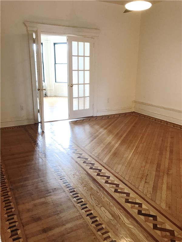 Additional photo for property listing at 226 New York Ave North Crown Heights Townhouse 3 BR 2 BTH  布鲁克林, 纽约州 11216 美国