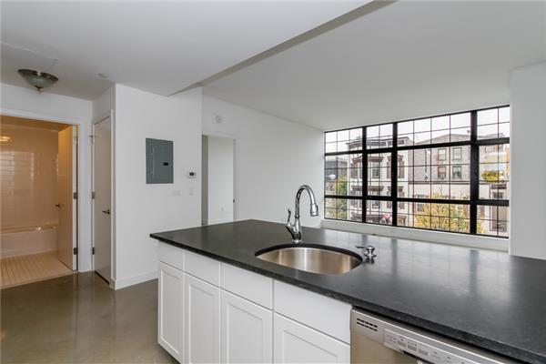 Casa Unifamiliar por un Alquiler en 23 Bleecker Street Bushwick 1 Bedroom Brooklyn, Nueva York 11221 Estados Unidos