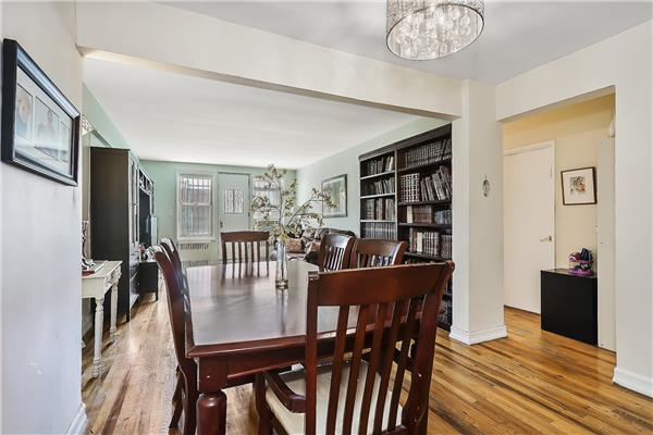 Additional photo for property listing at 930 East 7th street  Brooklyn, Nueva York 11230 Estados Unidos