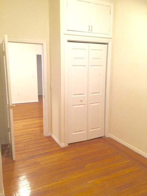 Additional photo for property listing at Two Bedroom in Park Slope Near Park and Transportation.  Brooklyn, New York 11215 United States