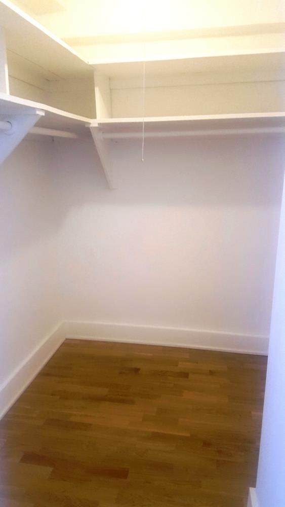 Additional photo for property listing at One Bedroom Apartment in Brighton Beach with Amenities. One Bedroom Apartment in Brighton Beach with Amenities. Brooklyn, Nueva York 11235 Estados Unidos