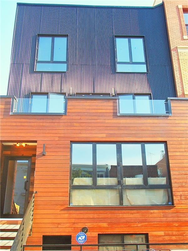 共管式独立产权公寓 为 销售 在 546 Lafayette Avenue unit #2 546 Lafayette Avenue unit #2 布鲁克林, 纽约州 11205 美国