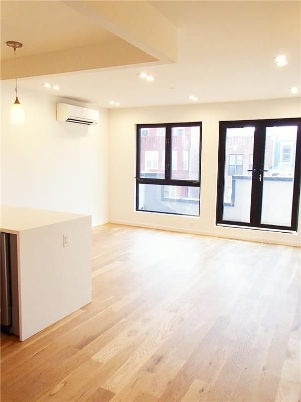 Additional photo for property listing at 546 Lafayette Avenue unit #2 546 Lafayette Avenue unit #2 Brooklyn, New York 11205 United States