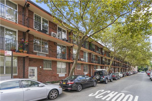 Additional photo for property listing at 332 101st Street #34C 332 101st Street #34C Brooklyn, New York 11209 United States