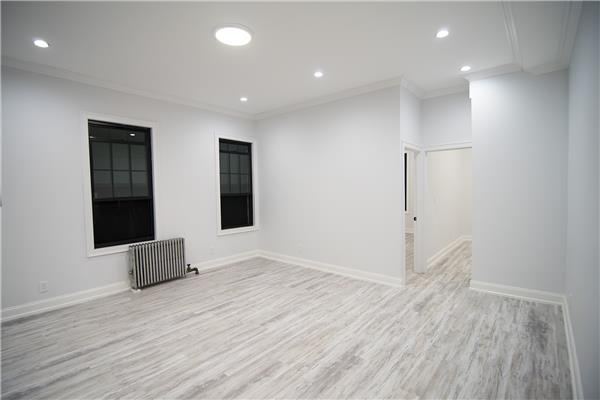 Additional photo for property listing at 1383 De Kalb Avenue, #3. Brooklyn 11221 1383 De Kalb Avenue, #3. Brooklyn 11221 布鲁克林, 纽约州 11221 美国
