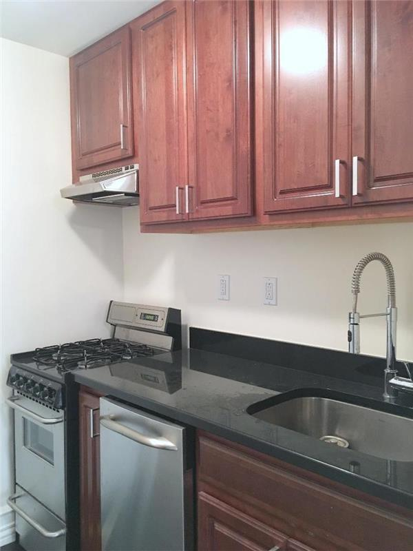 Co-op for Rent at Eastern Parkway Eastern Parkway Brooklyn, New York 11238 United States