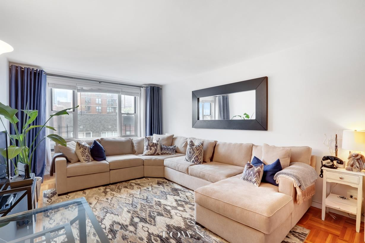 Co-op for Sale at 435 East 77th Street, #7-C 435 East 77th Street New York, New York 10075 United States