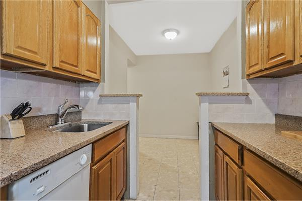 Additional photo for property listing at 510 Kappock Street, Apt 3A 510 Kappock Street, Apt 3A Bronx, Nueva York 10463 Estados Unidos