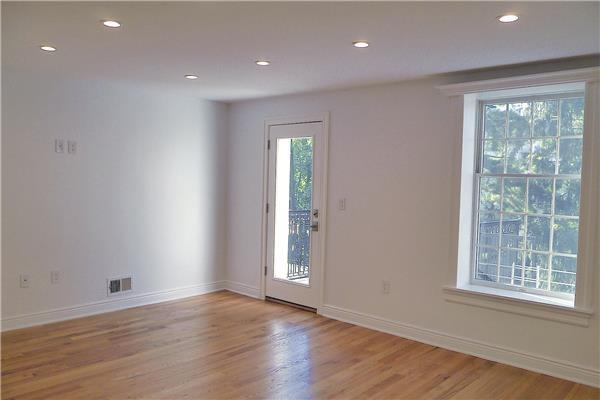 Additional photo for property listing at NO FEE-Gorgeous, renovated apartment with Terrace NO FEE-Gorgeous, renovated apartment with Terrace Brooklyn, Nueva York 11215 Estados Unidos