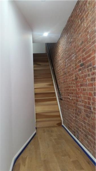 Additional photo for property listing at 39a Irving Place Penthouse 39a Irving Place Penthouse Brooklyn, New York 11238 United States