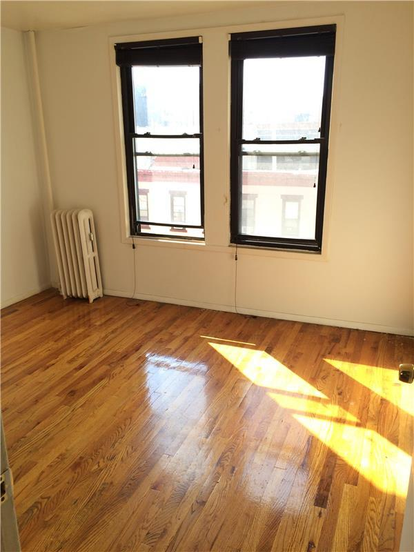 Additional photo for property listing at Two Bedroom Apartment in the South Slope Two Bedroom Apartment in the South Slope Brooklyn, Nueva York 11215 Estados Unidos