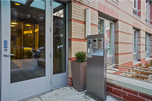 Additional photo for property listing at 545 Washington Avenue Apt 604 545 Washington Avenue Apt 604 Brooklyn, New York 11238 United States
