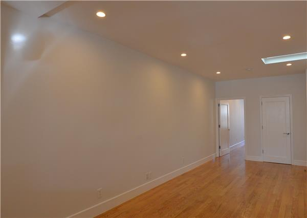 Additional photo for property listing at 33 Driggs Avenue 33 Driggs Avenue Brooklyn, New York 11222 United States