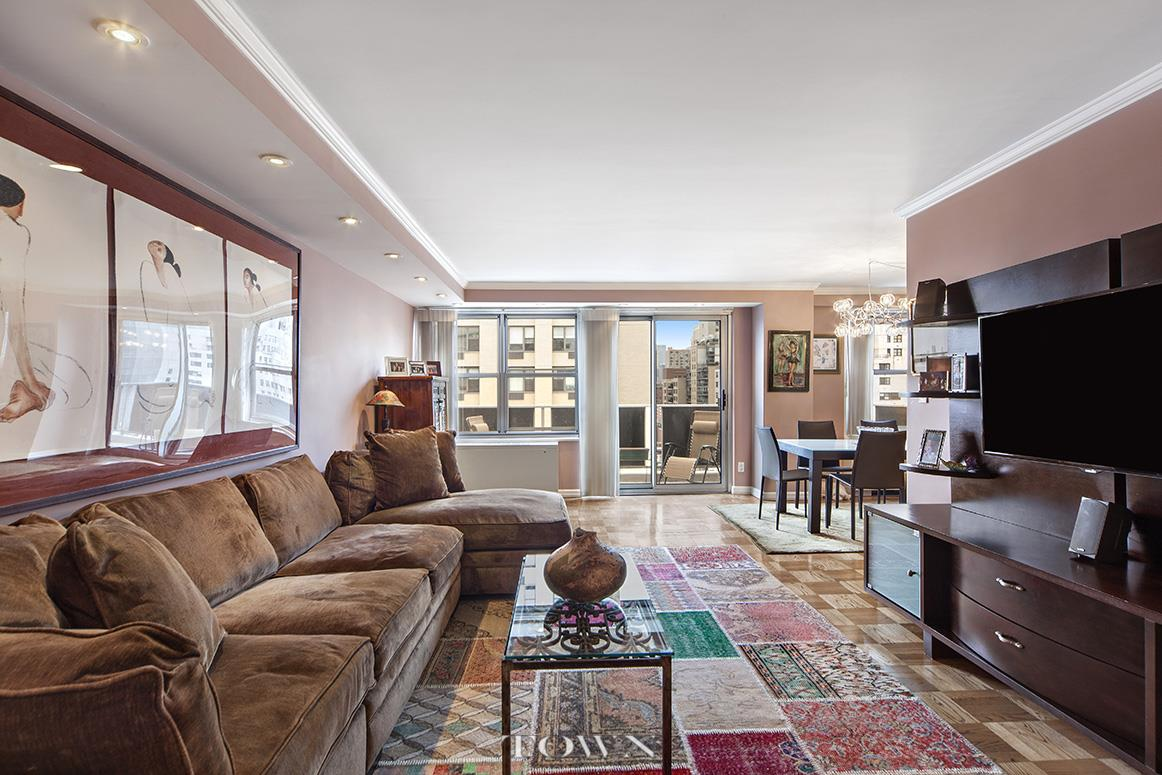 Co-op for Sale at Gramercy Park Towers, 205 Third Avenue, #17-E 205 Third Avenue New York, New York 10003 United States