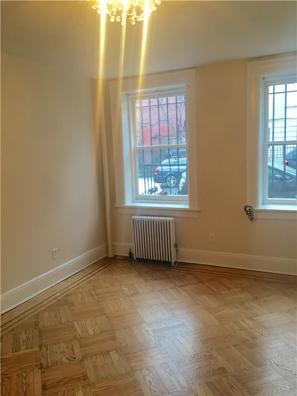 Additional photo for property listing at One Bedroom Apt in Park Slope Near Park and Transportation One Bedroom Apt in Park Slope Near Park and Transportation Brooklyn, New York 11215 United States