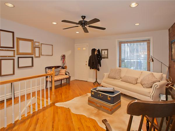 Additional photo for property listing at 556 Washington Avenue  Brooklyn, New York 11238 United States