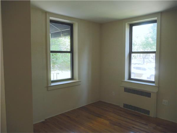 Additional photo for property listing at renovated professional space, excellent location 1600 Ocean Parkway Brooklyn, Nueva York 1123 Estados Unidos