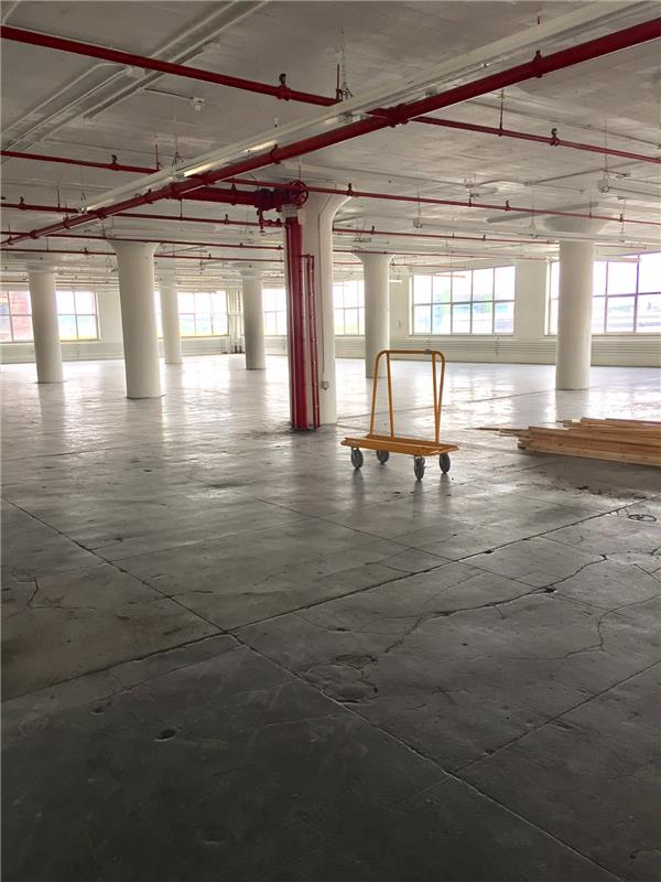 Commercial for Rent at 5102 21 Street 51-02 21 Street Long Island City, New York 11101 United States