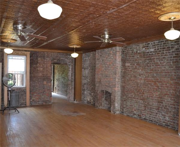 Additional photo for property listing at 673 Franklin Avenue 673 Franklin Avenue Brooklyn, New York 11238 United States