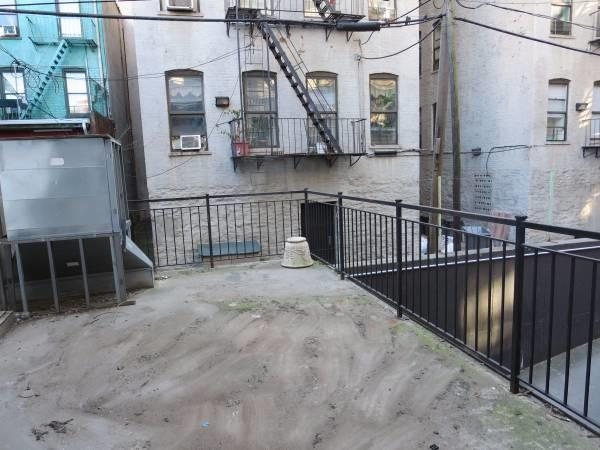 Additional photo for property listing at 110 Broadway 110 Broadway Brooklyn, New York 11211 United States