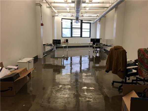Additional photo for property listing at Best DUMBO location, 1175SQFT, loft style office space 55 Washington Street Brooklyn, New York 11201 United States