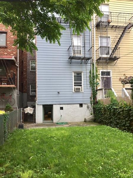 Additional photo for property listing at 725 Humboldt Street 725 Humboldt Street Brooklyn, Nueva York 11222 Estados Unidos