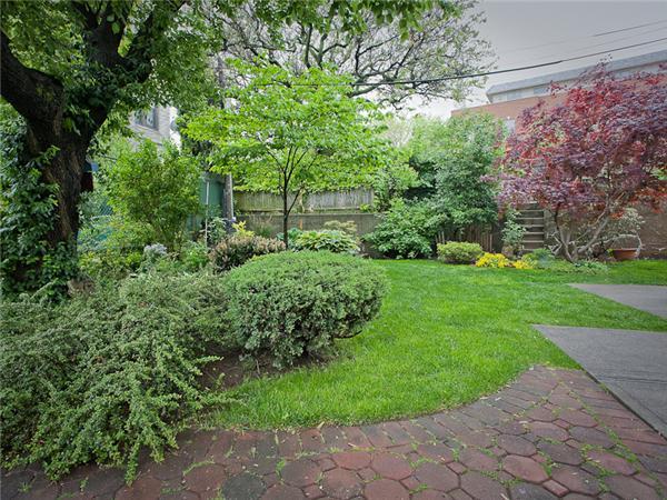 Additional photo for property listing at 602 Vanderbilt Street 602 Vanderbilt Street 布鲁克林, 纽约州 11218 美国