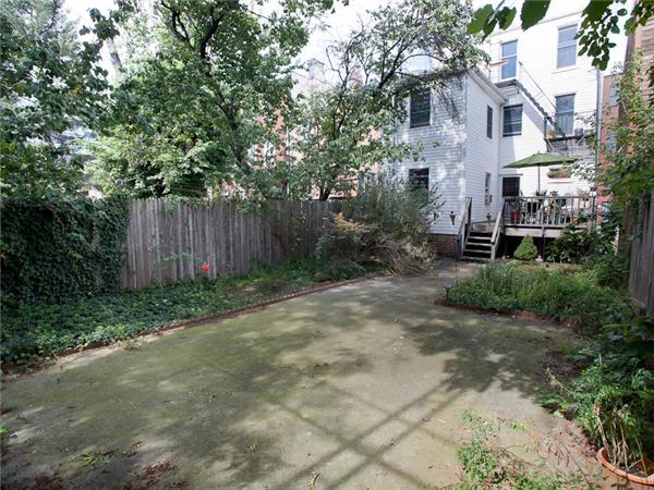 Additional photo for property listing at 130 8th Street  Brooklyn, Nueva York 11215 Estados Unidos