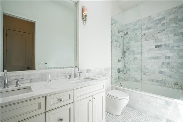 Additional photo for property listing at 165 Diamond Street 165 Diamond Street Brooklyn, New York 11222 United States