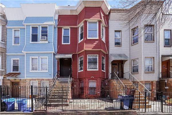 Casa Multifamiliar por un Venta en 1278 Jefferson Avenue Brooklyn, Nueva York 11221 Estados Unidos