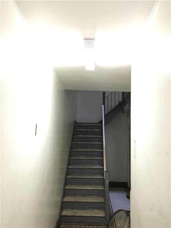 Additional photo for property listing at 40-21 67th Street 40-21 67th Street Queens, 纽约州 11377 美国