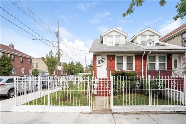 独户住宅 为 销售 在 771 Linden Boulevard 771 Linden Boulevard 布鲁克林, 纽约州 11203 美国