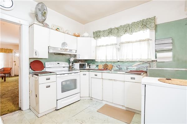 Additional photo for property listing at 771 Linden Boulevard 771 Linden Boulevard Brooklyn, New York 11203 United States