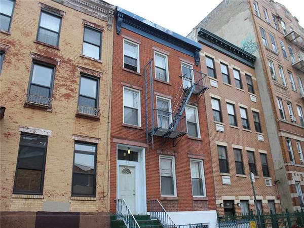 Casa Multifamiliar por un Venta en 164 South 3rd Street Brooklyn, Nueva York 11211 Estados Unidos